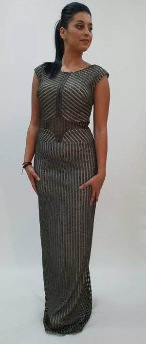 Φόρεμα μακρύ με εντυπωσιακές διαφάνειες