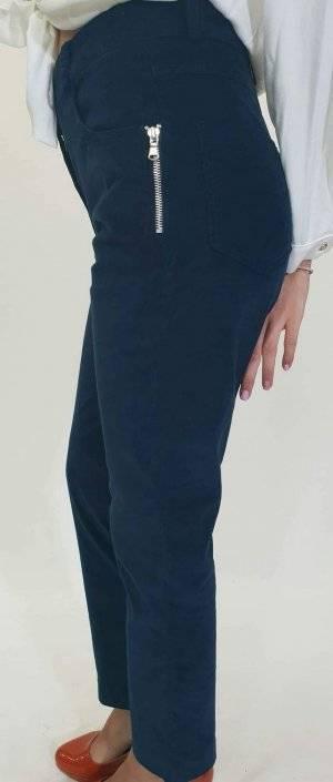 Παντελόνι σε στενή γραμμή