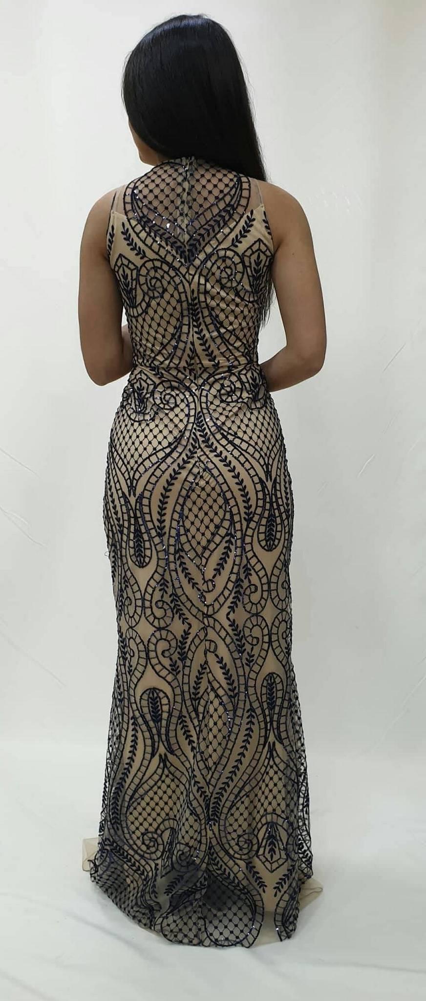 Φόρεμα δαντέλα με κεντητά στρας