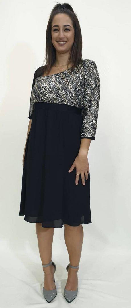 Φόρεμα με στρας στο μπούστο